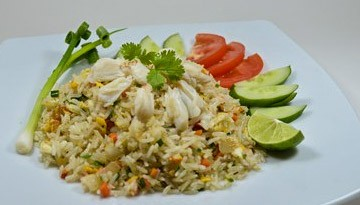 Fried rice with crab meat. S / M / L