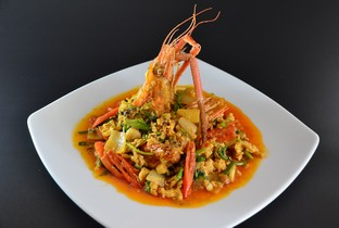 Stir fried soft river prawns with curry powder.