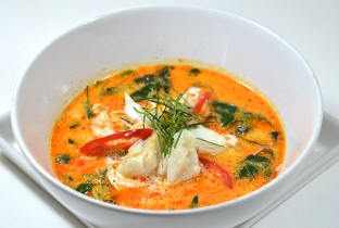 Crab meat and chaplu  in curry coconut cream soup.