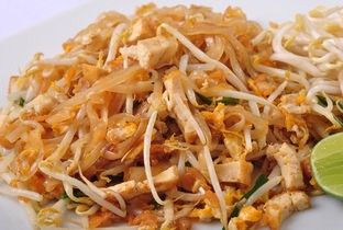 Stir fried noodle in Thai style.